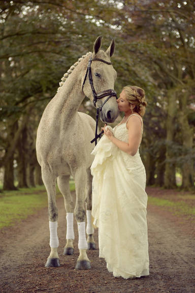 004 Bride And Horse